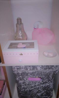 עיצוב חדרי ילדות ברבור, שעון קיר, פרפרים מדבקות לרכישה לייף דיזיין